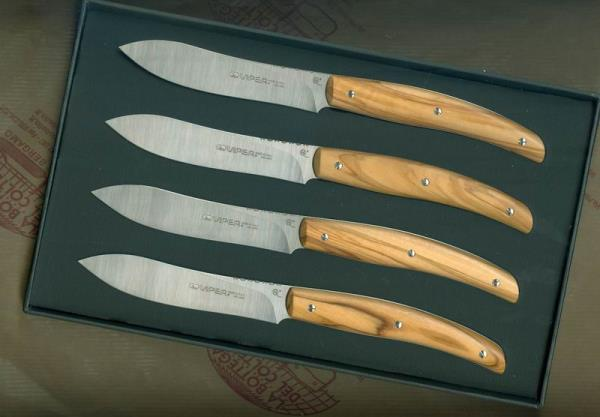 Four steak knives drop point olive